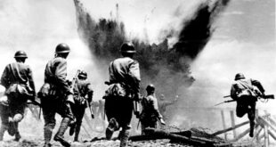 Japanese soldiers charging ww2