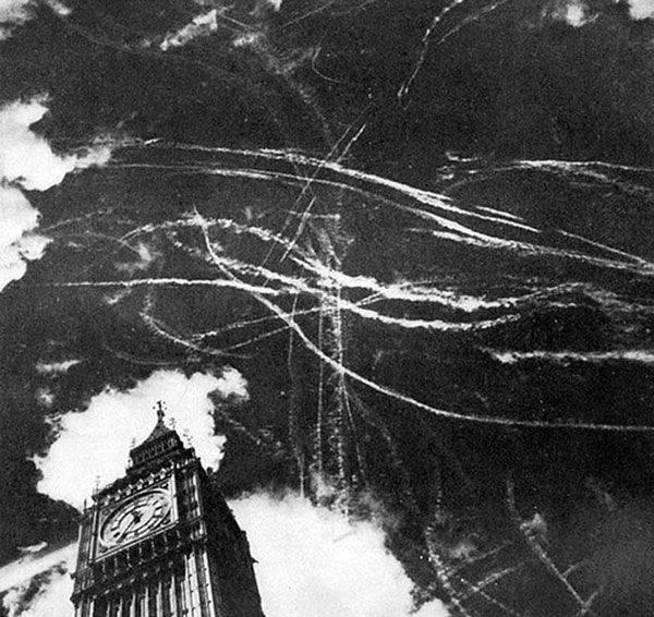 battle of britain big ben sky london