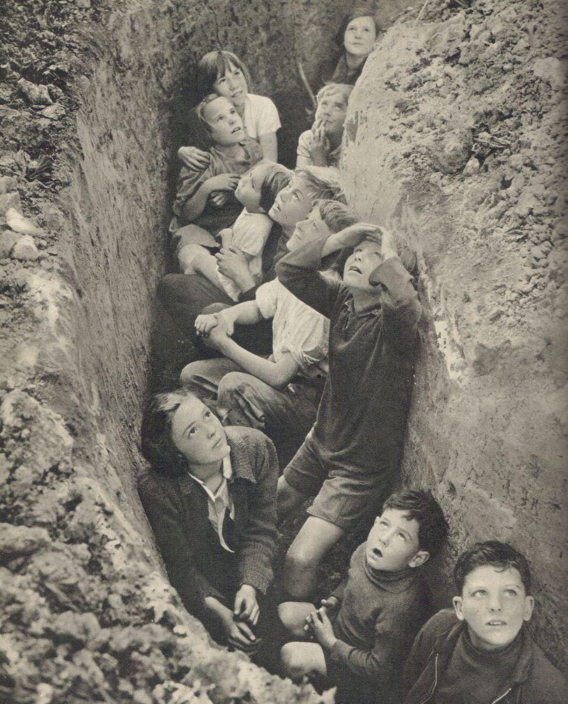 british children bomb shelter ww2