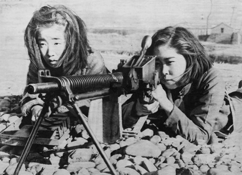 japanese girls machine gun young ww2